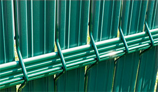 theGuard-fence-strips-GREEN-ral6005-thermoplast