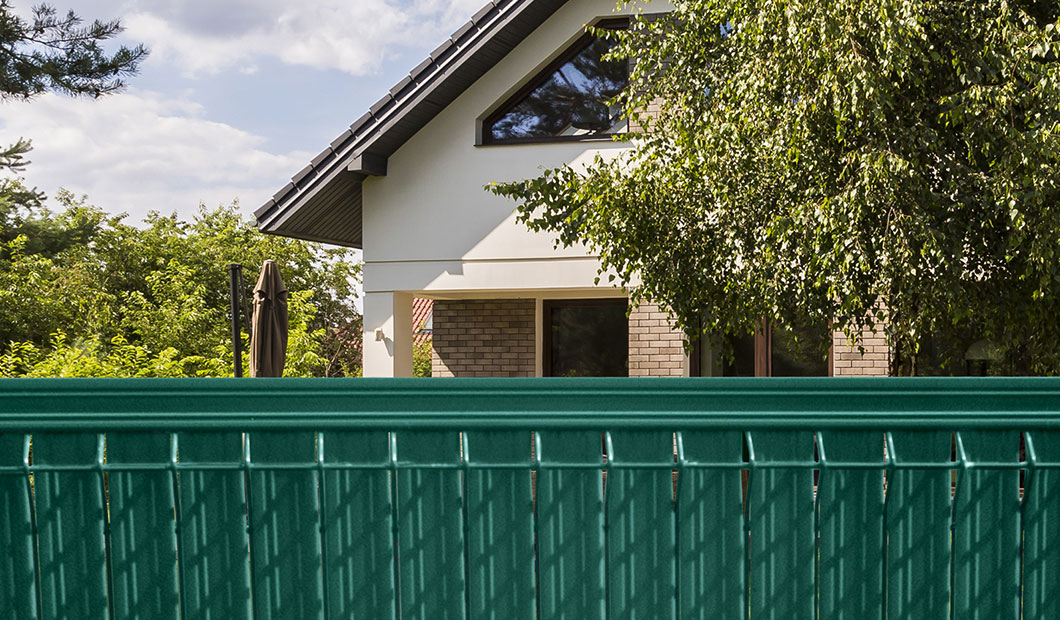 TheGuard - FENCE STRIPS MOUNTED VERTICAL - thermoplast